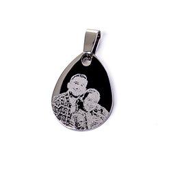 Colgante de lágrima con grabado personalizado a 1 cara con punta de diamante