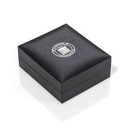 Prismáticos acabado en goma negra con aumento de 8x21
